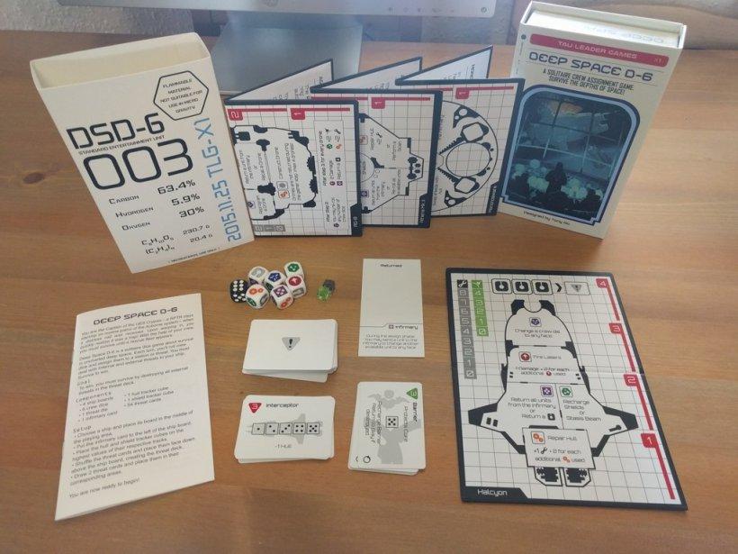 Deep Space D-6: componenti del gioco disposti sul tavolo