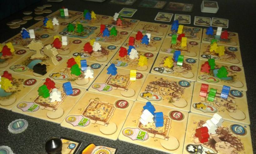 Five tribes sul tavolo da gioco