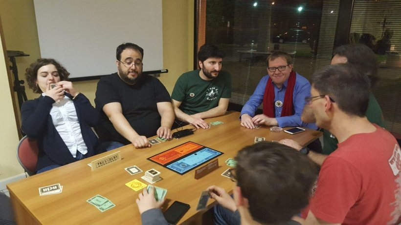 Joris e Jeroen giocano a Secret Hitler a Modena Play