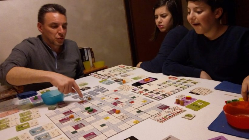 Food Chain Magnate con adolescenti