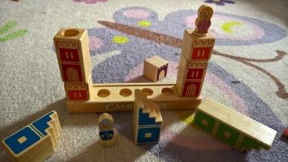 Camelot Jr: pezzi di legno
