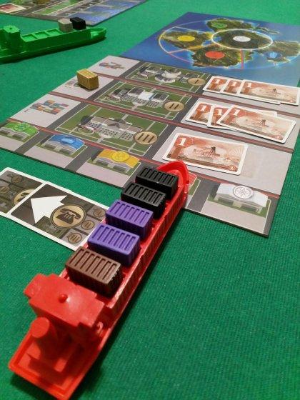 Container: banca e isola