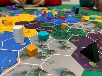 Cryptid: partita in cinque