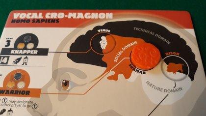 I 3 domini del cervello: Technical (nero), Social (arancio) e Nature (bianco) con un solo portale al momento attivo, quello tra dominio arancio e bianco (Shaman): ci permette di addestrare l'anziano Warrior.