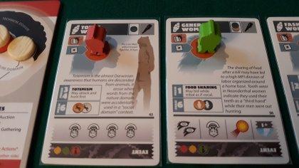 Due figlie, entrambe sposate! Quella di sinistra con uno della tribù e l'altra con un Arcaico! Anche il giocatore verde potrà usare le abilità della donna, piazzando un portale sul dominio Venus.