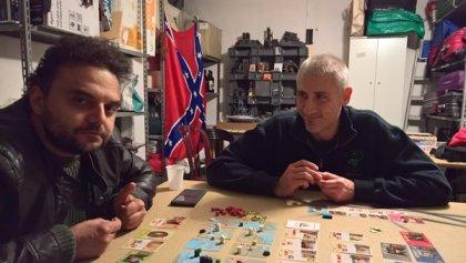 Giocatori al tavolo di Pax Renaissance