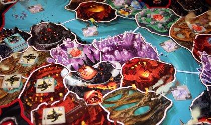 Small World Underground: dettaglio mappa di gioco durante una partita