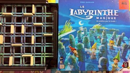 The Magic Labyrinth: copertina e griglia