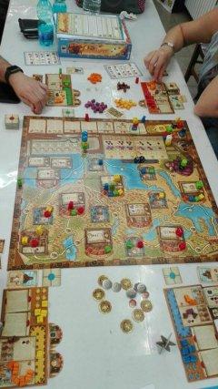 Un tabellone ricco di colori per Marco Polo
