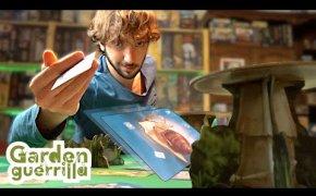 Lanciare le CARTE in un GIOCO da TAVOLO! | GARDEN GUERRILLA