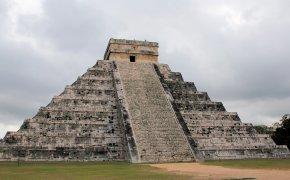 piramide a gradoni di chichen itza