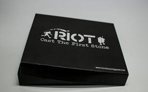 RIOT - Scaglia la prima pietra. Un gioco dedicato al conflitto sociale
