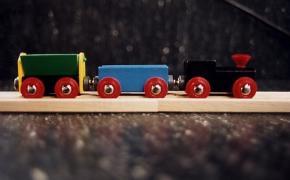 Ravensburger punta sui giochi in legno e rileva Brio
