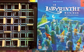 The Magic Labyrinth: copertina e griglia