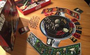 Scatola e componenti di Risk: Star Wars edition