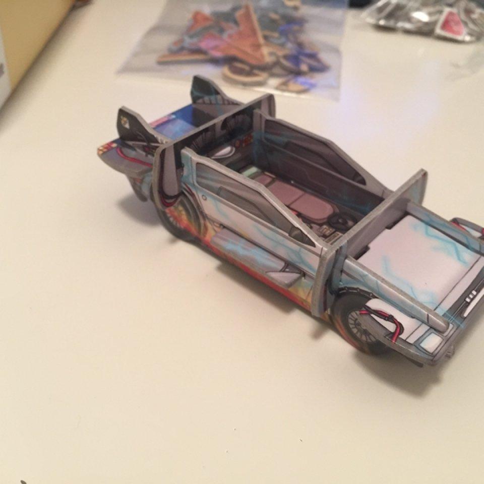 La DeLorean di Ritorno al futuro finita (promo di Colt Express)