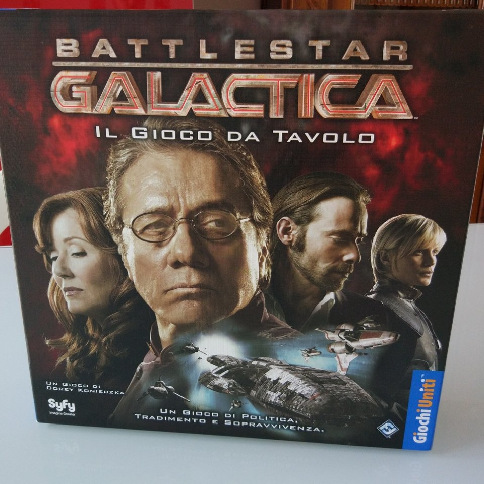 battlestar_galactica_scatola_fronte